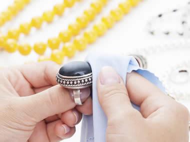 nettoyer les bijoux
