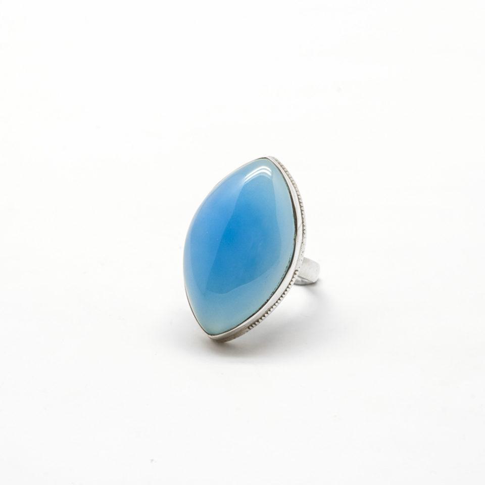 Cabochon agate bleue